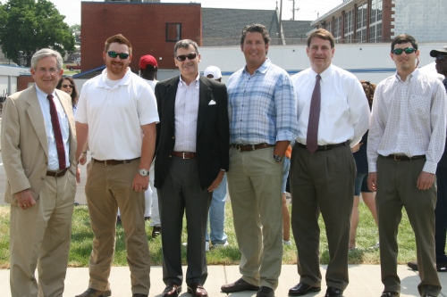 Joe Hodgson, Partner, Hodgson & Douglas Landscape Architects; Max Knauss, Division 2 Constuctors; Axson West, Principal, Southeast Venture; Greg Dew, Division 2 Constuctors; Bo Adams, Senior Project Manager, H.G. Hill Realty Company; Chris Host, Assistant Project Manager, H.G. Hill Realty Company